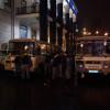 Милицейский автобус проезжающий Михайловскую площадь был побит.