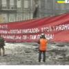 «Брат, тебя используют, как пушечное мясо для охраны золотых унитазов», — активисты на Грушевского обратились к милиции (ВИДЕО)