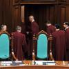 Рада уволила судей Конституционного суда, против них будут возбуждены уголовные дела