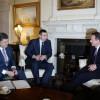Порошенко и Кэмерон призывают Россию прекратить снабжение террористов в Украину