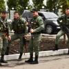 На Луганщине местные жители начали «охоту» на богатеньких чеченских наемников