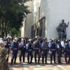 Под Верховной Радой активисты подрались с милицией из-за закона про люстрацию(ФОТО)