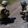 Десантники подорвались на фугасе в Луганской области, 7 раненых