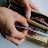 Реальные доходы украинцев сократились почти на четверть
