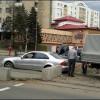 «Мерседес» E-класса застрял в свежем бетоне на трамвайных путях  в Минске