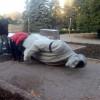 Ленинопад продолжается: В Кривом Роге снесли памятник вождю коммунизма (ФОТО)
