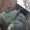 В Бердянске снесли памятник Ленину (ФОТО)