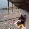 Россия превратила пляж в Крыму в кладбище бутылок (ВИДЕО 18+)