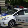 Хулиганы разбили машину полицейских в Киеве (ФОТО)