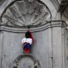 Писающего мальчика в Брюсселе ко Дню Независимости Украины одели в шаровары и вышиванку