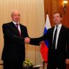 Азаров улетел в Россию для встречи с Медведевым