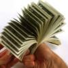 Азарова уже считает доллар по курсу 8,5