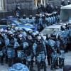 Митингующие с самого утра блокируют Кабмин