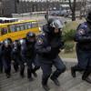 Правительственные здания заблокированы митингующими