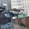 «Гуманный Беркут» дает заложникам выбор: пуля, электрошок или нож (ВИДЕО)