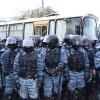 К митингующим возле ГУ МВД в Донецке приехал «Беркут» с Георгиевскими ленточками. Отчитались, что они с народом