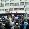 Металлурги и активисты начали освобождение улиц Мариуполя от баррикад, Тарута обещает закончить на выходных