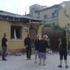 Боевики сгоняют к пограничной части в Луганске людей для «живого щита» (ФОТО)