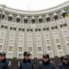 На Кабмин Яценюка подали в суд за нищенский прожиточный минимум