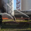Пожар на нефтебазе под Киевом охватил уже 8 резервуаров с горючим — ГСЧС (ВИДЕО)