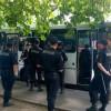 В Правом секторе сообщили, что под их офис в Киеве пригнали автозаки и автобусы с милицией (ФОТО)